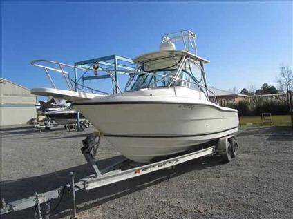 $30,500 2001 Pursuit 2470