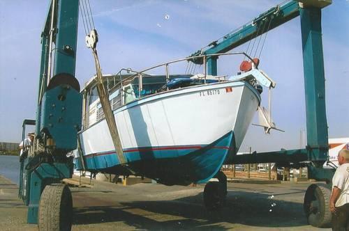 30' Custom Built Stainless Steel Cabin Cruiser w/