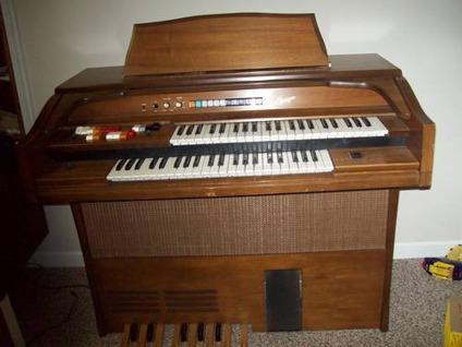 Kimball swinger organ