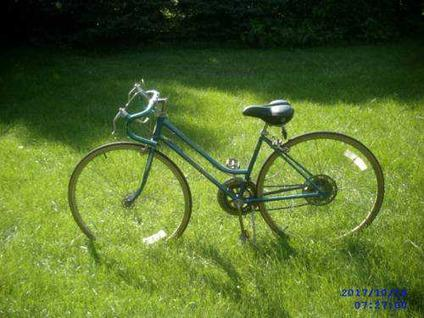 Schwinn S10 http://oswego-il.americanlisted.com/bicycles/30schwinn-varsity-womens-10-speed_22261073.html