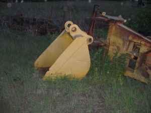 32'' Excavator Bucket - $200 (Reynolds)