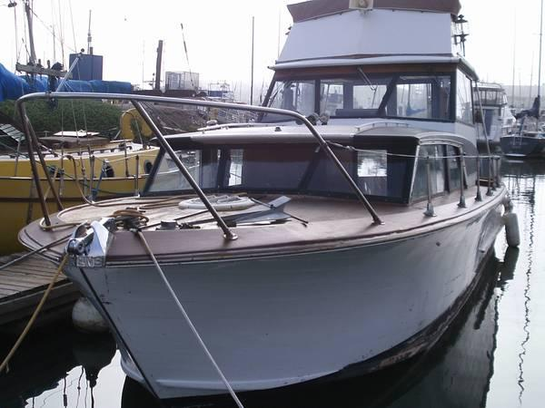 32 ft yacht 1966 owens caben cruser for sale in m for Moss motors buy here pay here