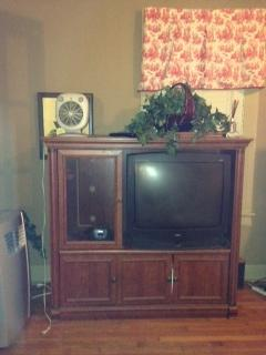 32 Inch RCA TV And Cabinet That Fits It Perfecto7