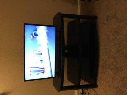 32 samsung smart LED 1080 TV with stand
