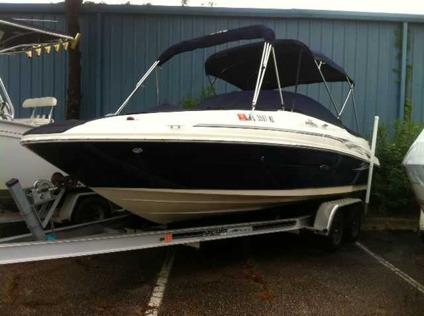 $33,999 2005 Sea Ray 220 SUNDECK