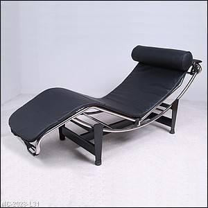 Le Corbusier Chaise Lounge Polished Chrome Black Leather