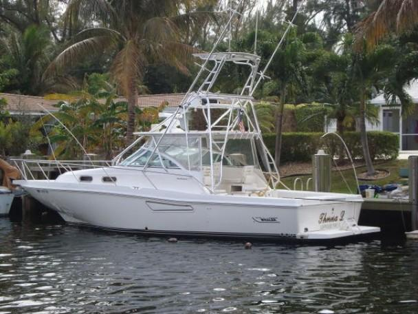 35 Boston Whaler Defiance W Tuna Tower Priced To
