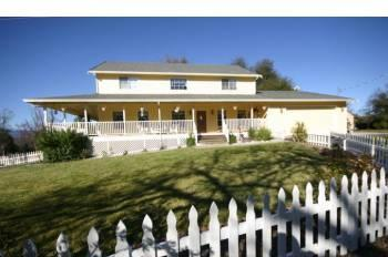 $375000 / 4br - 2702ft² - Large home with shop (6016
