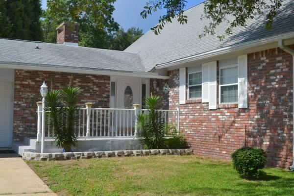 $379000 / 5br - Private Pool!