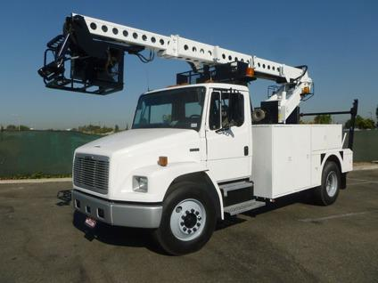 1999 Freightliner FL70 Telsta T40D Cable Placing Bucket