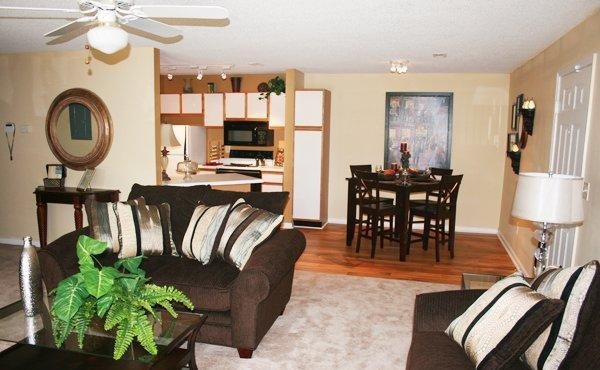 3br 1410ft 3 Br 2 Ba With A Sunroom Check Out Northwood