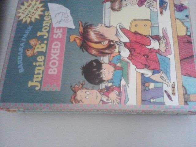 $3Junie B. Jones boxset 4books like new