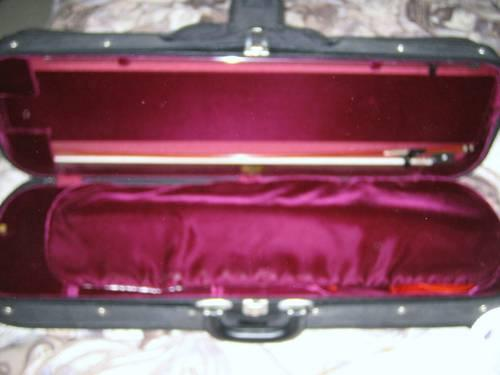 4/4 full-size Violin, Bow, and Case