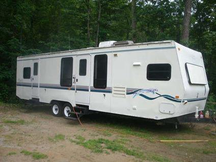 1998 prowler 33 39 camping trailer with slideout for sale in hendersonville north carolina. Black Bedroom Furniture Sets. Home Design Ideas