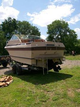 1978 Century Boat 25 Ft Kitchen Bathroom Sleeping
