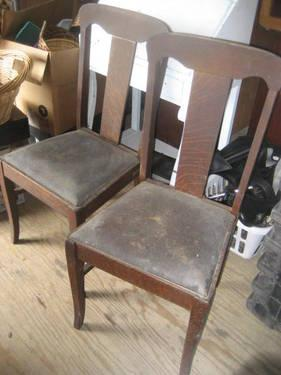 4 Antique Straightback Chairs With Leather Seats