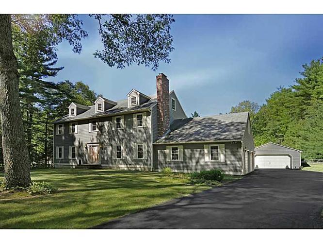 4 bed 2 bath house 149 fry pond rd for sale in west for Rhode island bath house