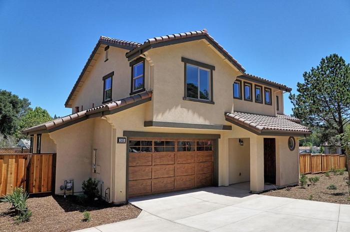 4 Bed 2 Bath House 363 COLLADO DR