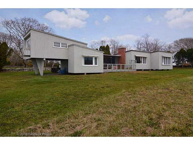 4 bed 2 bath house 61 warrens point rd for sale in little for Rhode island bath house