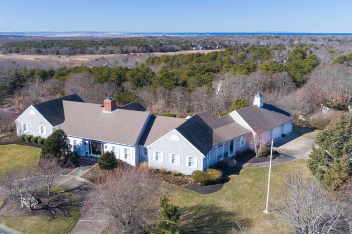 4 bed 3 bath house 18 farm hill rd for sale in dennis, massachusetts classified americanlisted.com