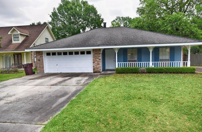 4 BEDS/2 BATHS, DAVIS PLANTATION DEMAND AREA!!