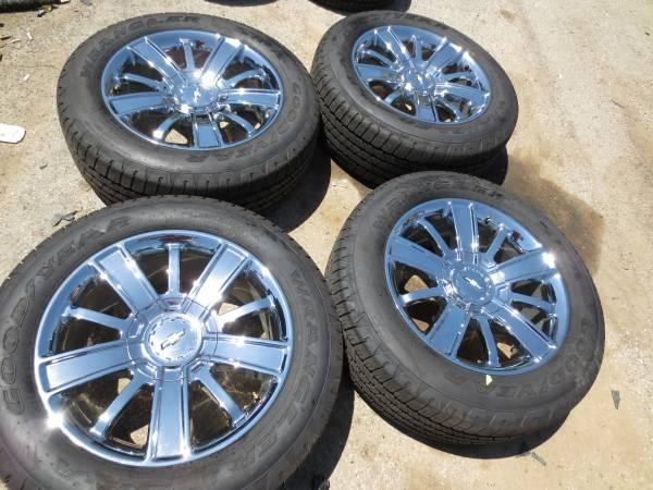 4 CHEVY SILVERADO TAHOE SUBURBAN 20 CHROME OEM WHEELS AND TIRES - $1900
