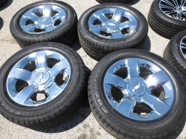 4 CHEVY SILVERADO TAHOE SUBURBAN CHROME OEM 20 WHEELS AND TIRES - $1900