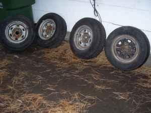 4 chevy wheels snow tires 14 inch - $190 spokane county