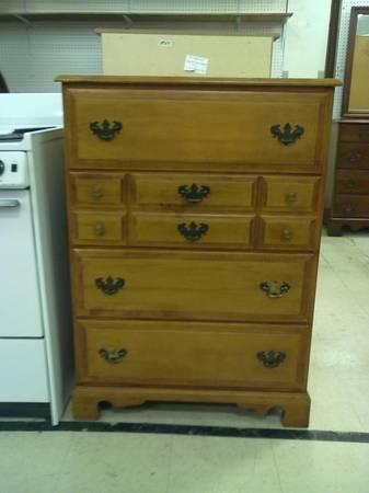 4 Drawer Maple Chest Of Drawers Solid Wood Good