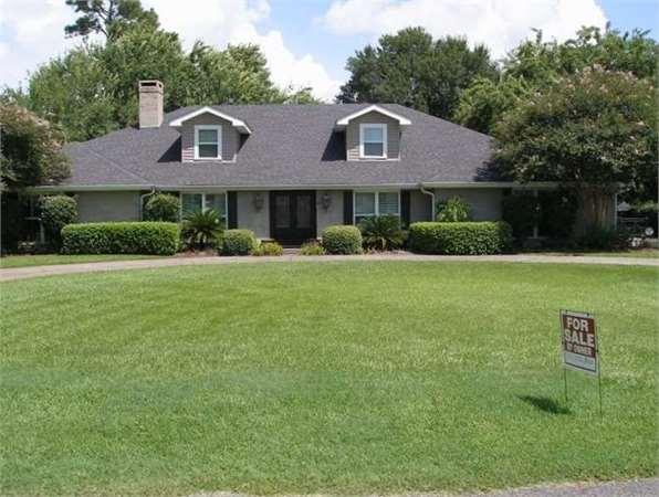4 Fairway Drive Single Family Home For Sale In Lake