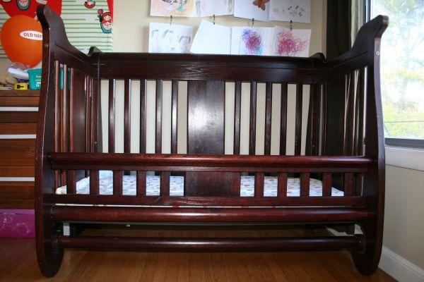 4 In 1 Convertible Sleigh Crib With Conversion Bed Rails