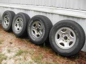 4 tires faceplates 16 inch 6 lug rims chevy statesboro garfield for sale in statesboro. Black Bedroom Furniture Sets. Home Design Ideas