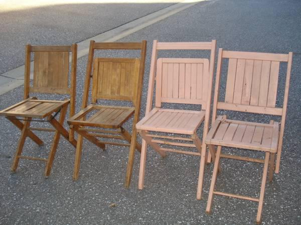 4 VINTAGE WOODEN SLAT FOLDING CHAIRS for Sale in Alta Hill California Cl
