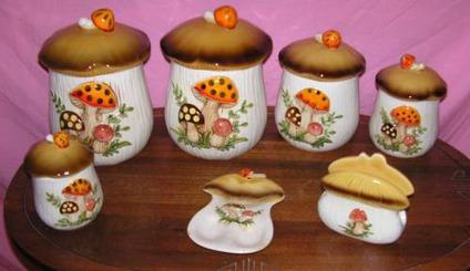$40 Vintage mushroom canister set and more !