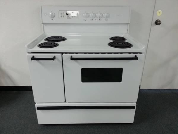 40 Quot White Frigidaire Electric Stove With Double Oven For