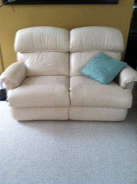 Lazy Boy Full Reclining Leather Loveseat For Sale In