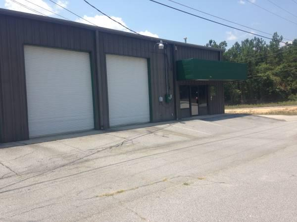 $4000 / 10000ft² - Office/Warehouse Space Available