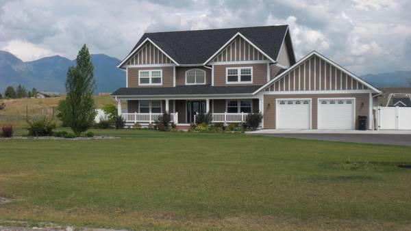 4br 3200ft 4 Bedroom 2 5 Bath 3200 Square Feet 3 Acres Home For Sale In Kalispell