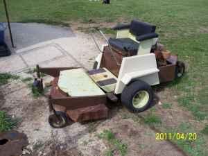 42'' GRASSHOPPER MOWER - $575 (TOPEKA)