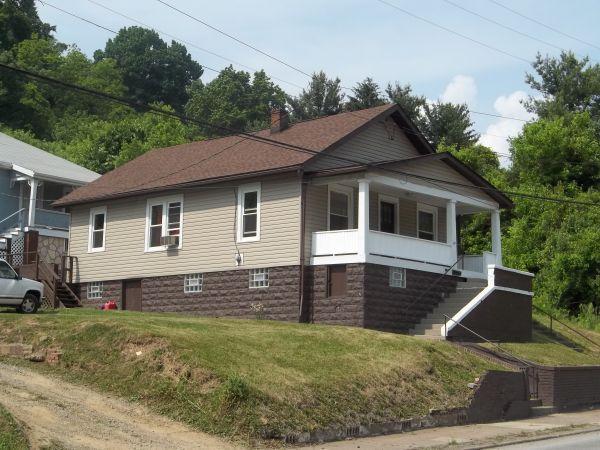 $450 / 2br - 2 bdrm 1 story house (weirton wv)