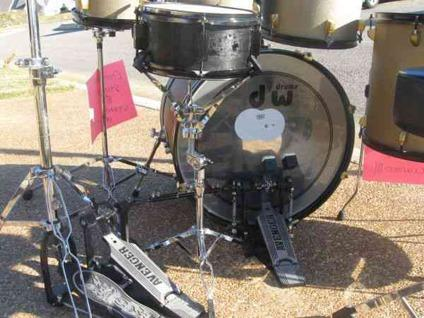 complete 7 piece drum set for sale reduced for quick sale for sale in memphis tennessee. Black Bedroom Furniture Sets. Home Design Ideas
