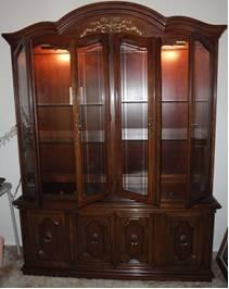 $450 THOMASVILLE Buffet/china Hutch MADE IN USA! Solid