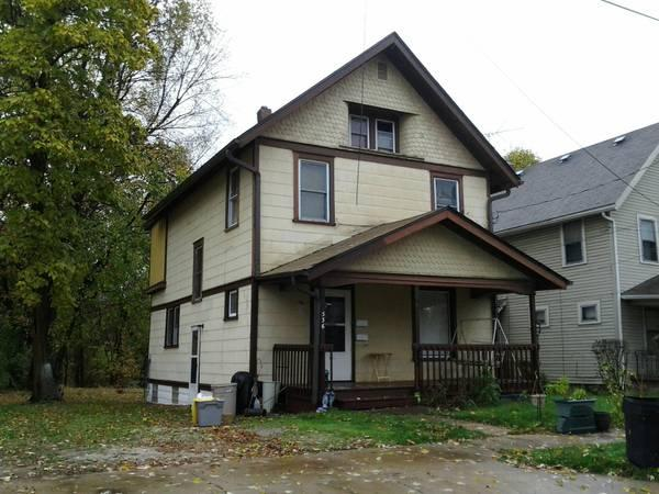 2br 818ft Close To University Of Akron For Rent In Akron Ohio Classified