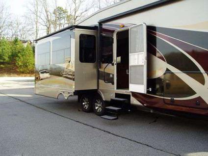 2011 Cedar Creek 36re Touring Edition 5th Wheel 3 Slides