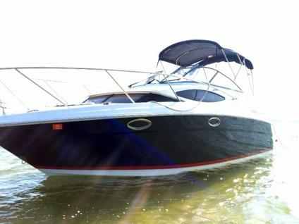 $49,900 2008 25' Regal 2565 Window Express Cruiser