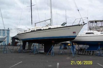 $49,900, 35' MIRAGE SAILBOAT, 1985 A dream to live aboard, Air/heathart  plotter, Radar