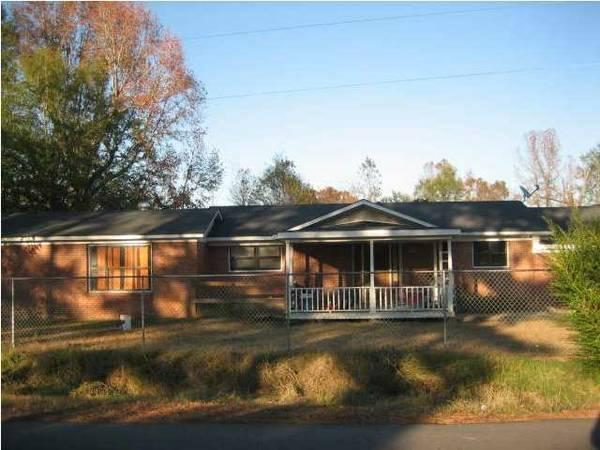 - $49000 / 4br - 2400ft² - 4 BD 2400 Sq feet House in
