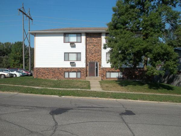 2br Nw 2 Bedroom 1 Bath Off Johnson Ave For Rent In Cedar Rapids Iowa Classified