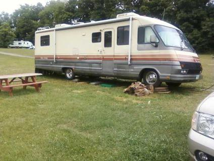 1988 Pace Arrow Motorhome http://canton-oh.americanlisted.com/trailers-mobile-homes/40001988-pace-arrow-motorhome_22855407.html