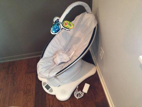 4moms MamaRoo 2014 Infant Swing - $125